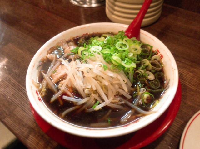 京都の人気ラーメン店が麻布十番に復活!『新福菜館』