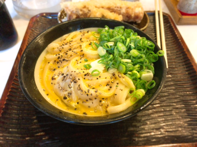 関東No. 1との呼び名が高いうどん店!「丸香」(神保町)