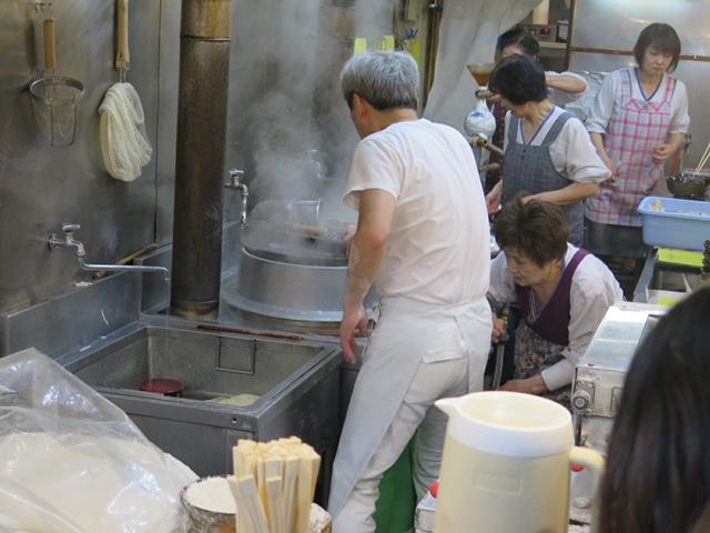 行列覚悟!タモリさんが愛した人気店!「うどん平」(博多)