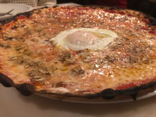 極薄ピザ!ピッツェリア・ロマーナ・イル・ペンティート (代々木)