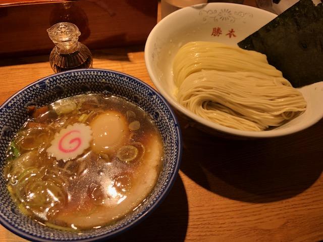 つけそばと特製卵かけご飯を堪能!「神田 勝本」(神保町)