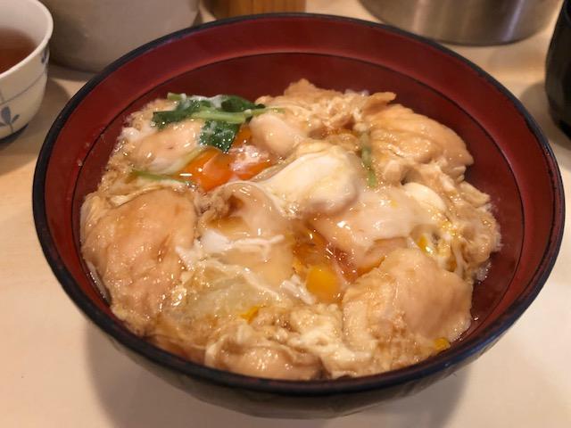 トロっとろ卵の親子丼を食べて来た!「鳥つね 湯島天神前本店」