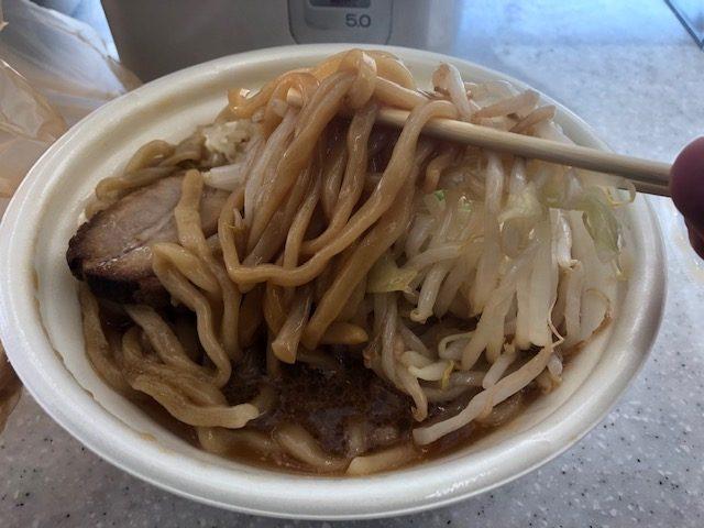 「中華そば とみ田」監修!セブイレブンの「豚ラーメン」を食べてみた