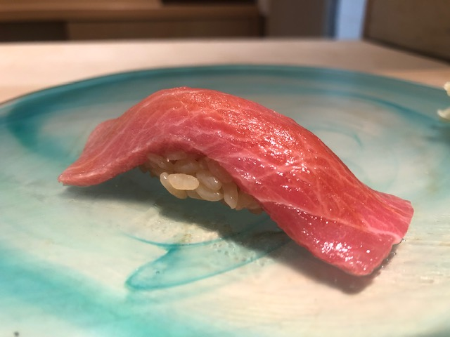 アレンジした一品料理が魅力的!「寿し処 黒杉」(大阪・北新地)