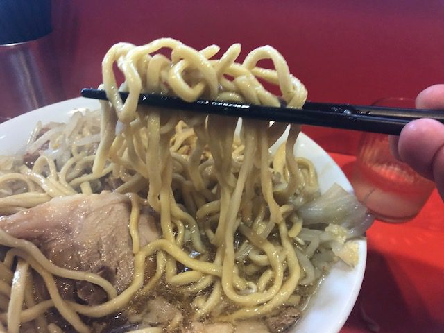 ラーメン(麺少なめ)を堪能しました!「ラーメン二郎 仙川店」