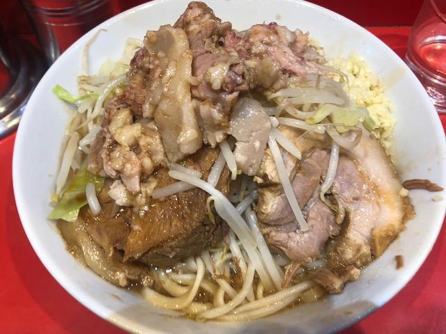 他店より麺量が多めなので注意!「ラーメン二郎 西台駅前店」