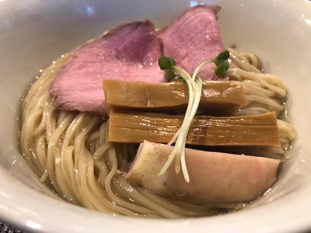 常時行列の大人気ラーメン店!「らぁ麺やまぐち」(西早稲田)
