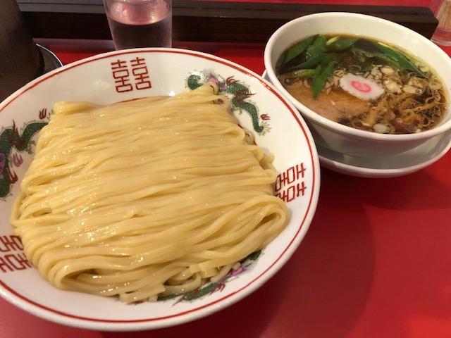 行列覚悟の大阪No. 1ラーメン店!「カドヤ食堂 本店」(西長堀) | 食べ歩きコンシェルジュ