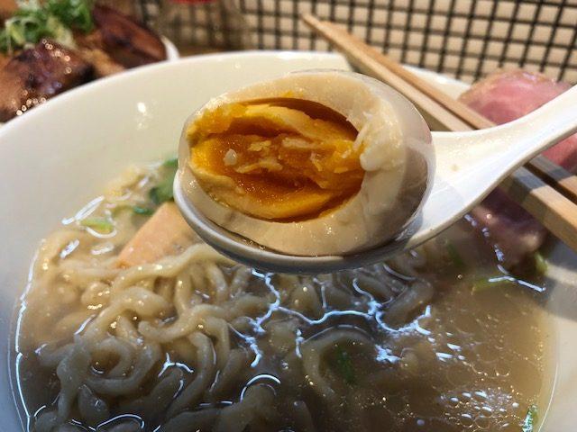 貝塩ラーメンと煮干しつけ麺を楽しむ!「らーめん改」(蔵前)