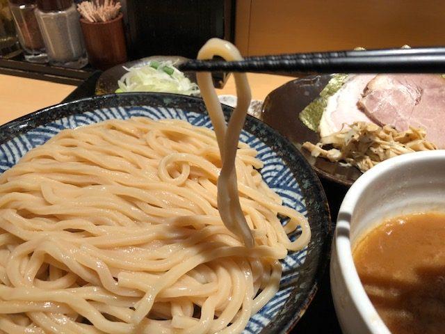 待ち時間覚悟の超人気ラーメン店!「つけ麺 道」(亀有)