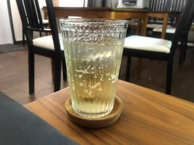 既に常連になってしまった「神保町シーシャカフェ ベー太」で連日水タバコを楽しむ