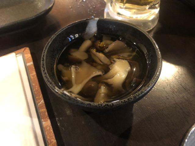 歌舞伎町で賑わっている焼鳥屋さん!「新宿のけむり」