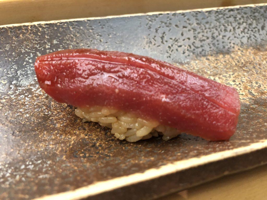 予約半年待ち!「すし匠」(四ッ谷)で品数豊富なコース料理を堪能する