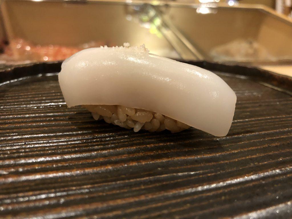 高級鮨屋のランチコースがお得!「鮨 鈴木」(銀座)